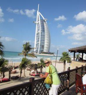 Dubai - reisen und Geld verdienen Test